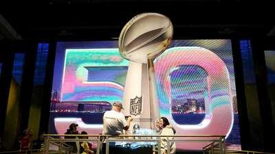 NFL.com/Español con transmisión en vivo desde el Radio Row del Super Bow...