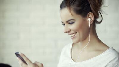 Unos auriculares inalámbricos. Por su comodidad y su óptim...