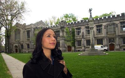 Estudiante en el campus de la Universidad de Princeton, en Nueva Jersey.