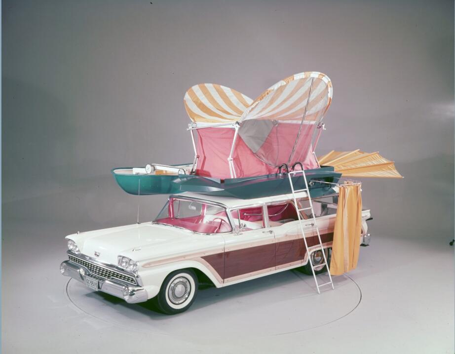 ¿Quién recuerda a la station wagon? 1959-Ford-Country-Squire-with-push-b...