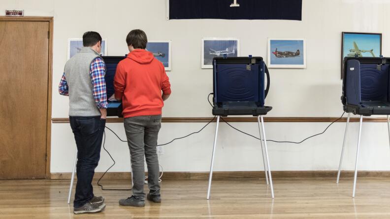 28 millones de ciudadanos de origen latino están aptos para votar en nov...
