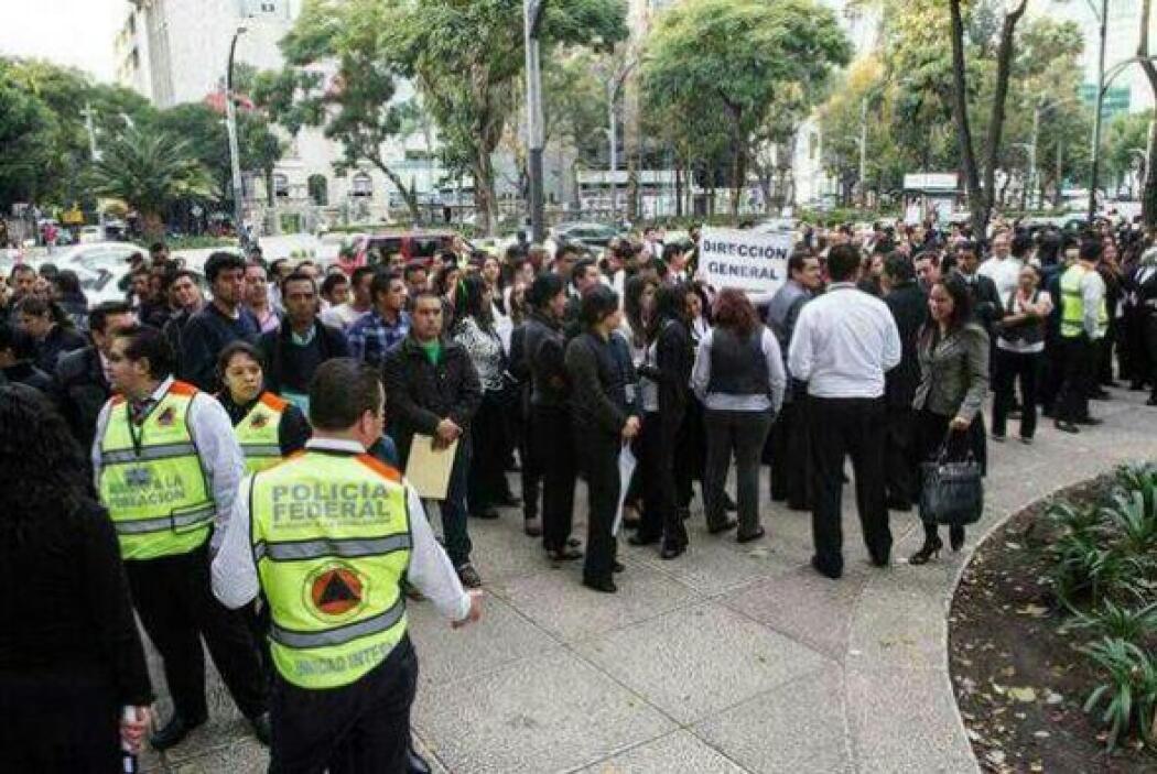 Un sismo de magnitud 7.5 sorprendió a México la mañana de este Viernes S...