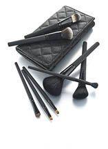 El maquillaje es un arma infalible para todas las mujeres así que...