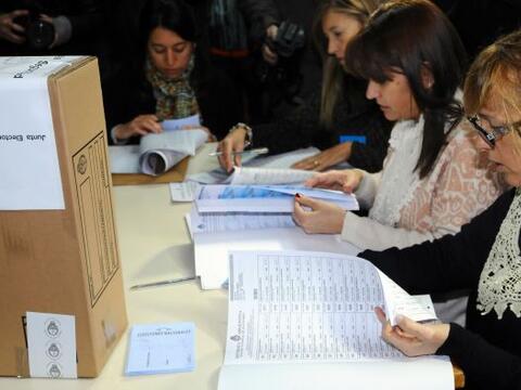 La elección primaria de candidatos a diputados y senadores comenz...