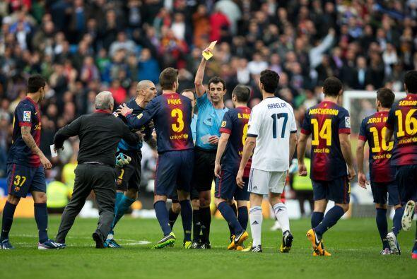Con la expulsión de Valdés y la frustración del Barcelona se fueron todo...