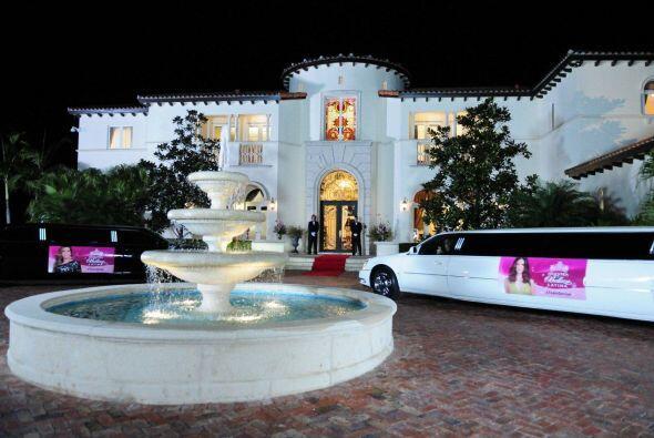 Esta extraordinaria mansión está ubicada en uno de los mej...
