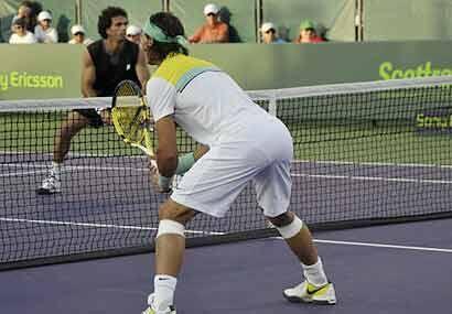 Mientras Roddick firmaba autógrafos, el número 1 del mundo, 'Rafa' Nadal...