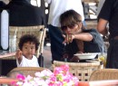 Es un 'lunch date' para la actriz y sus adorados hijos.