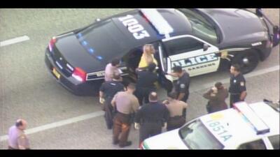 Una mujer que había sido arrestada por desorden público pa...