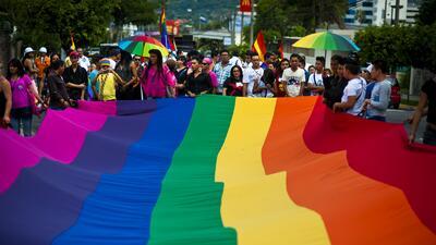 Homosexualidad, divide opiniones de ciencia y religiones