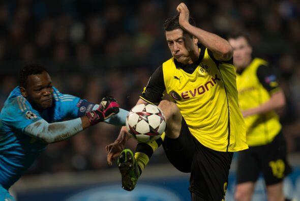 El Borussia Dortmund se jugaba un boleto a la siguiente fase en casa del...