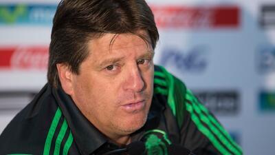"""El """"Piojo"""" Herrera ganó más de ocho millones de dólares como director de..."""