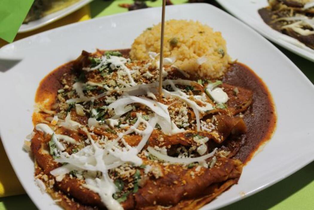 Las enchiladas mineras son un clásico de la ciudad de Guanajuato. Se aco...