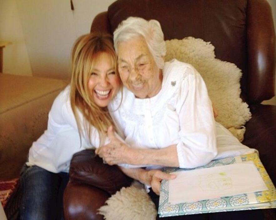 Thalía y su abuelita por fin hicieron las paces. Tanto el corazón como l...