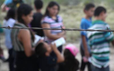 El número de indocumentados mexicanos se redujo en 500,000 personas en s...