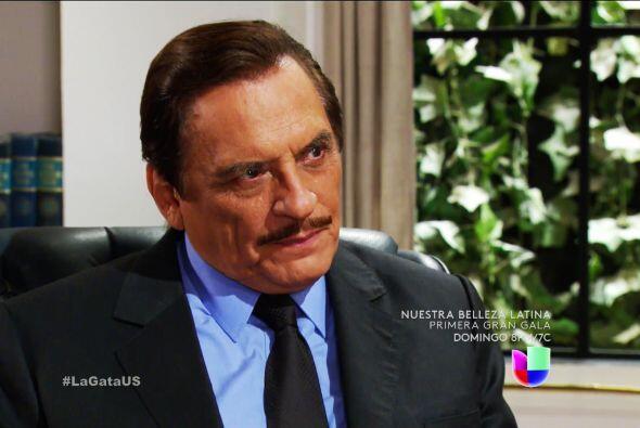 Cuídese don Fernando, no le dé la espalda a Lorenza, es capaz de cualqui...