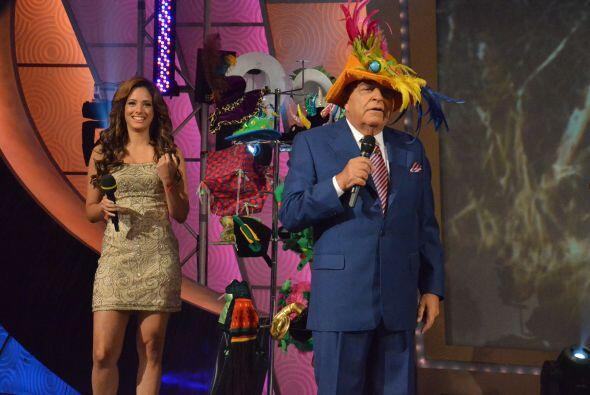 Aleyda ayudó a Don Francisco a elegir el primer sombrero que usar...