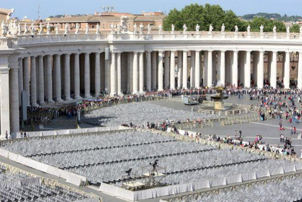 Se prevé que acudan un millón de fieles, cerca de 150 cardenales, además...