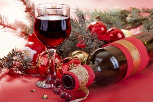 Por ejemplo, etiquetas de vinos personalizadas, agregar unos centros de...