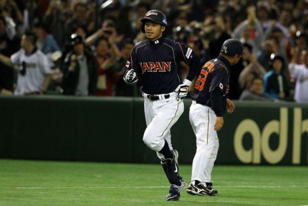 Takashi Toritani abrió el marcador con un jonrón al jardín derecho.
