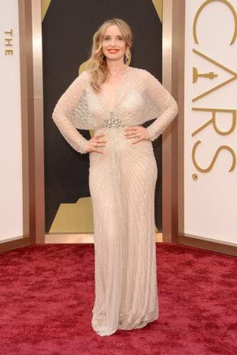 El vestido de Julie Delpy era de Jenny Packham. Nos pareció que debió qu...