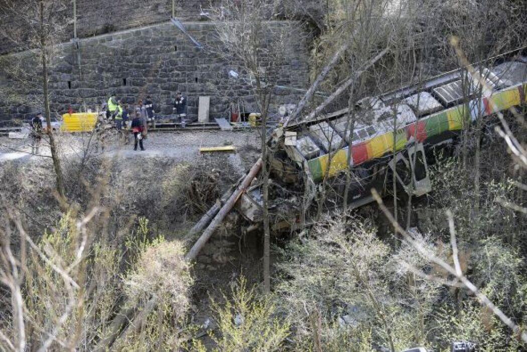 12 de abril: Fallecen al menos 9 personas y 28 resultan heridas, de ello...