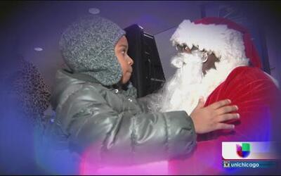 Santa Claus busca ayudantes en Chicago