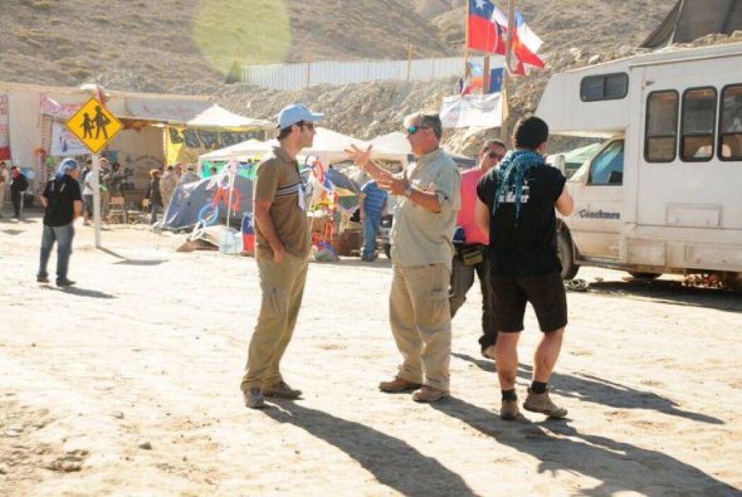 Él y el equipo de Primer Impacto se trasladaron al país sudamericano par...