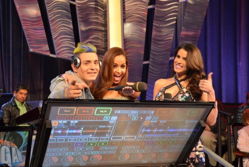 DJ Jey y las bellas modelos del programa no pararon de bailar.