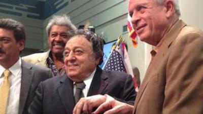 José Sulaimán recibió las llaves dela Ciudad de Miami (Foto: Cortesía CMB)