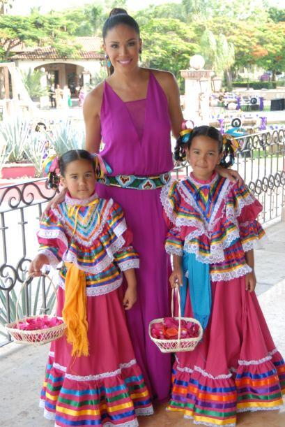 Las hija de Karla, Michaella y Antonella, serían las damitas de la novia...