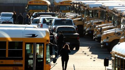 """Cierran escuelas de Los Ángeles por """"amenaza"""""""