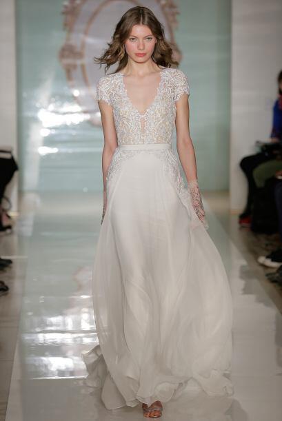 Como la parte superior del vestido está cargada de detalles lo id...