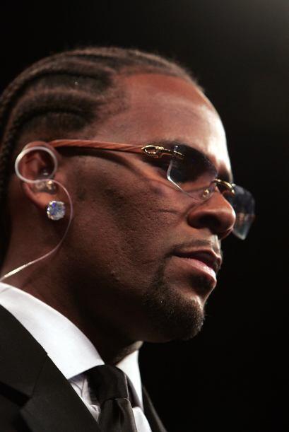 R. Kelly recibió varios cargos en su contra por incidentes con ni...
