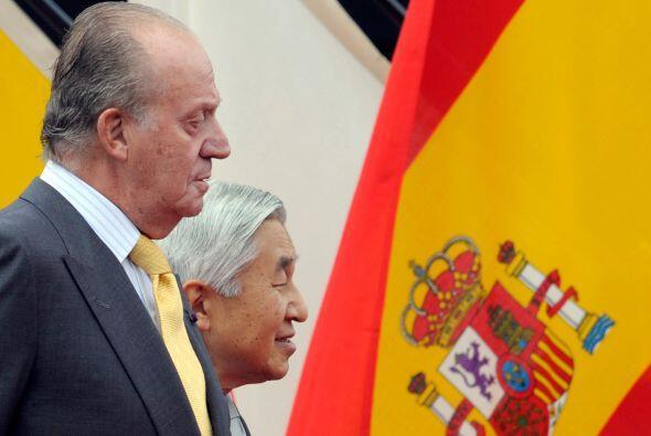 Juan Carlos y el emperador   Akihito de Japón asistieron a la ceremonia...