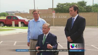 Funcionarios de Texas culpan a Obama por crisis de migrantes