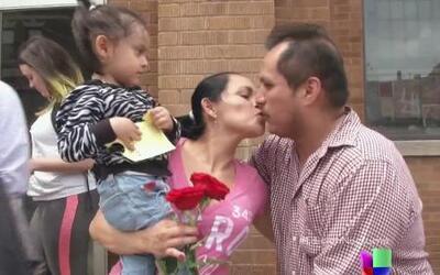Enternecedora reunión de una familia separada por inmigración