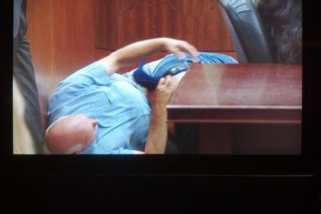 Una de las fotos mostradas en el juicio muestra las manos de Trujillo en...