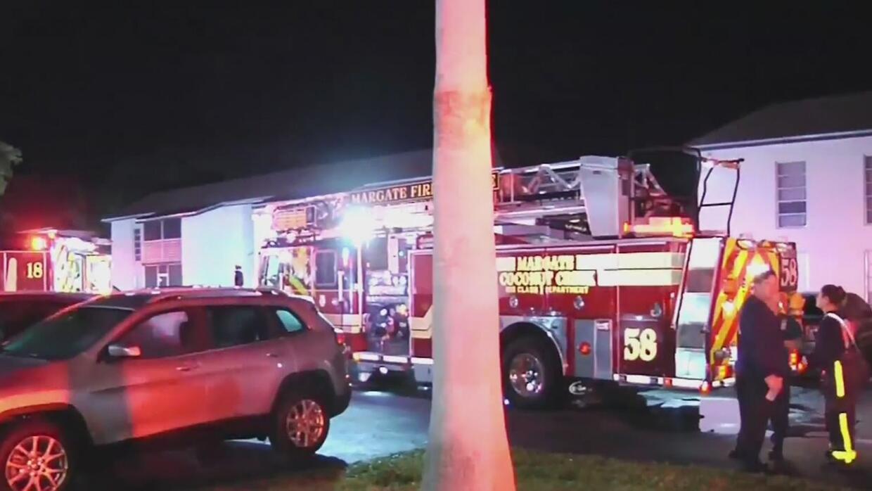 Hombre fue encontrado inconsciente en su apartamento entre llamas en Mar...
