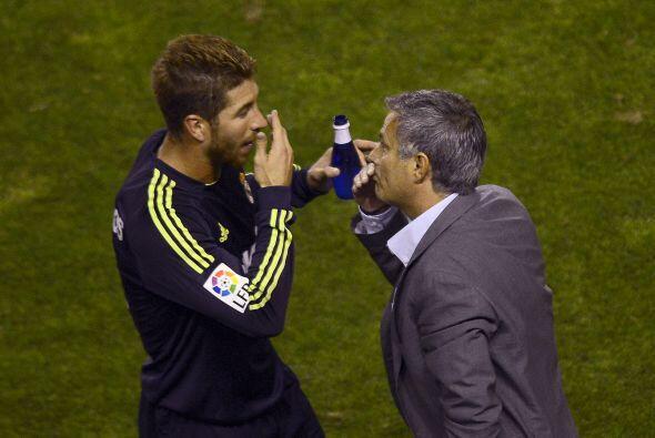 Sergio Ramos recibía instrucciones de Mourinho, pareciendo que qu...