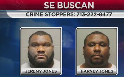 Autoridades buscan a dos hermanos acusados de asesinato
