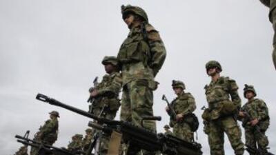 El Ejército colombiano realizó operaciones antiguerrilleras contra las F...