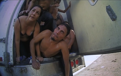 Impactante video del rescate de 39 migrantes