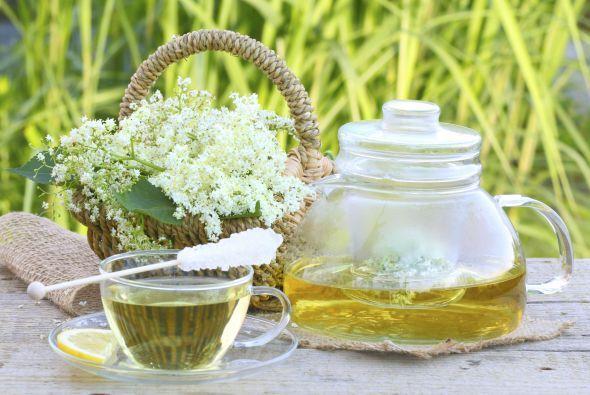 Té verde Esta bebida es una gran fuente de antioxidantes y aminoácido ún...