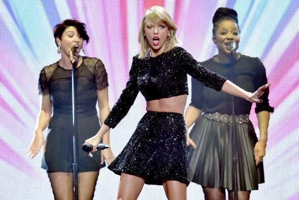 Por eso no es de extrañar que Taylor ahora sea considerada la mujer más...