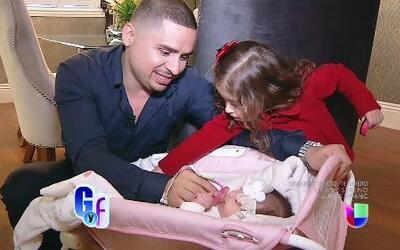 Larry Hernández confesó que su nueva bebecita ha cambiado su vida