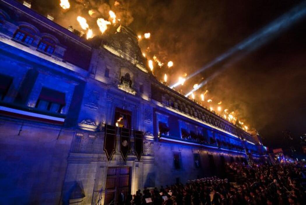 La hermosa arquitectura del centro histórico mexicano luce particularmen...