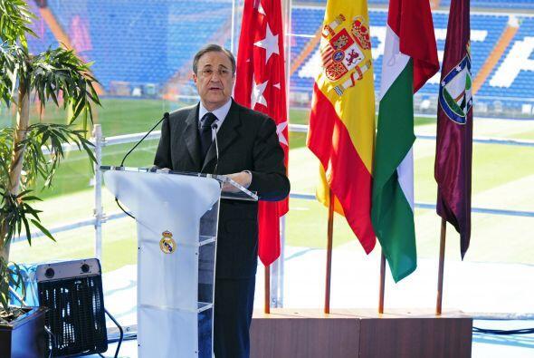 El encargado de dar la noticia fue el presidente del club, Florentino Pé...