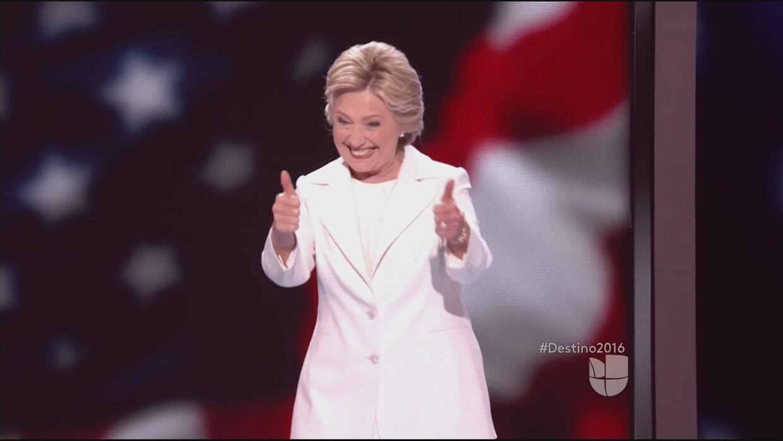 Hillary Clinton manda mensaje a los Cubs antes del juego