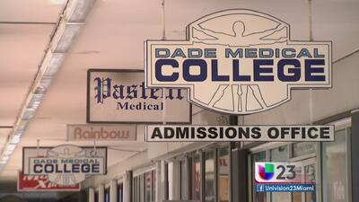 En el limbo estudiantes del Dade Medical College